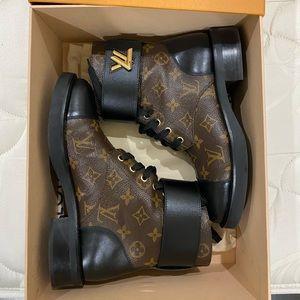 Louis Vuitton Boots Wonderland Flat Ranger